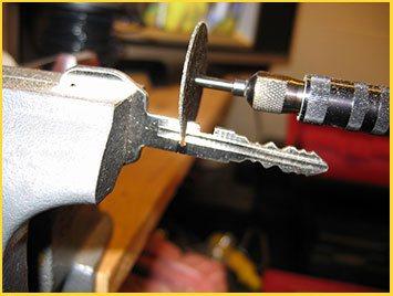 Los Angeles Emergency Lock & Safe Key Cutting For Car Los